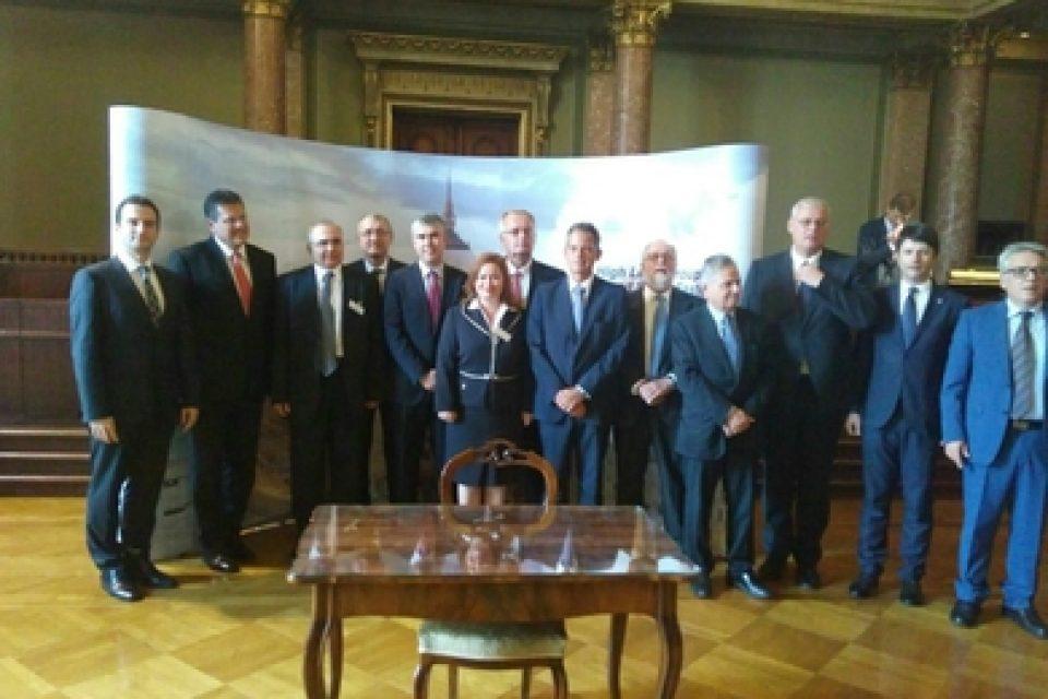 Ай Си Джи Би подписа съвместна декларация с българския, гръцкия, румънския и унгарския преносен оператор като бъдещ оператор и част от Вертикалния коридор за пренос на газ