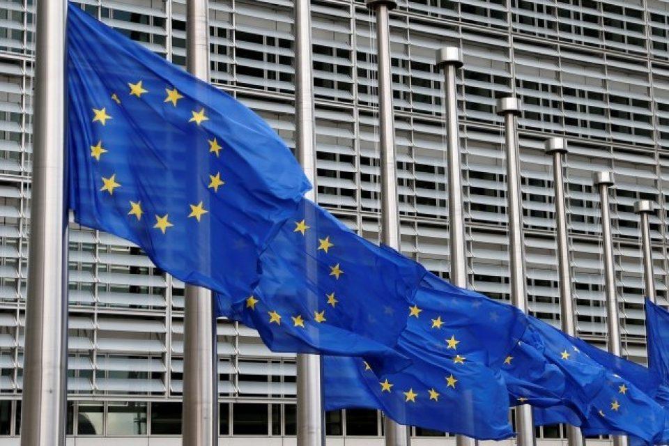 Европейската комисия финансира сътрудничеството между европейските изследователи и промишлеността в областта на изкуствения интелект