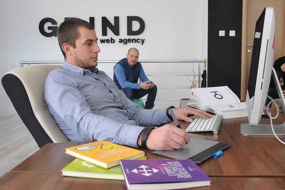 Българската фирма Грайнд Уеб Студио създаде иновативна платформа за прогнозиране на имотния пазар във Великобритания