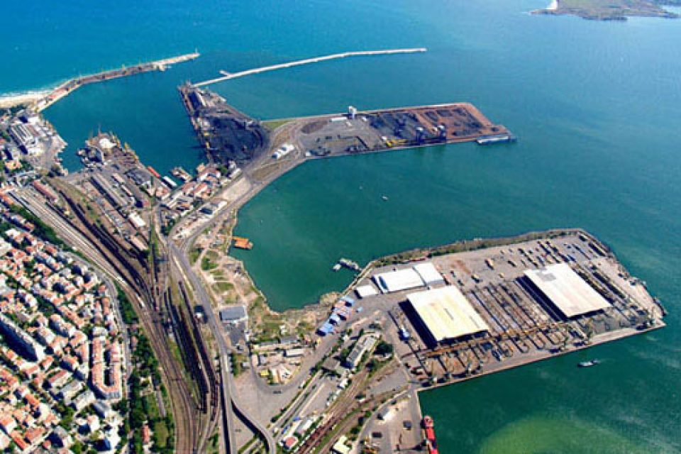 Китайска компания с интерес да изгради промишлена зона на пристанище Варна