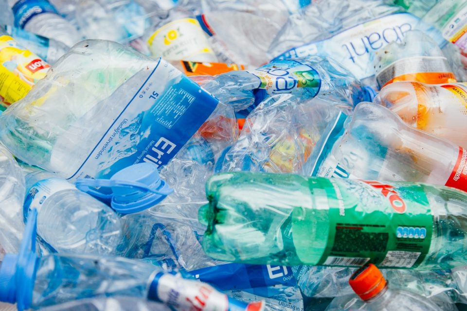 ЕП подкрепя решението за забрана в ЕС на пластмасовите изделия за еднократна употреба от 2021 г.