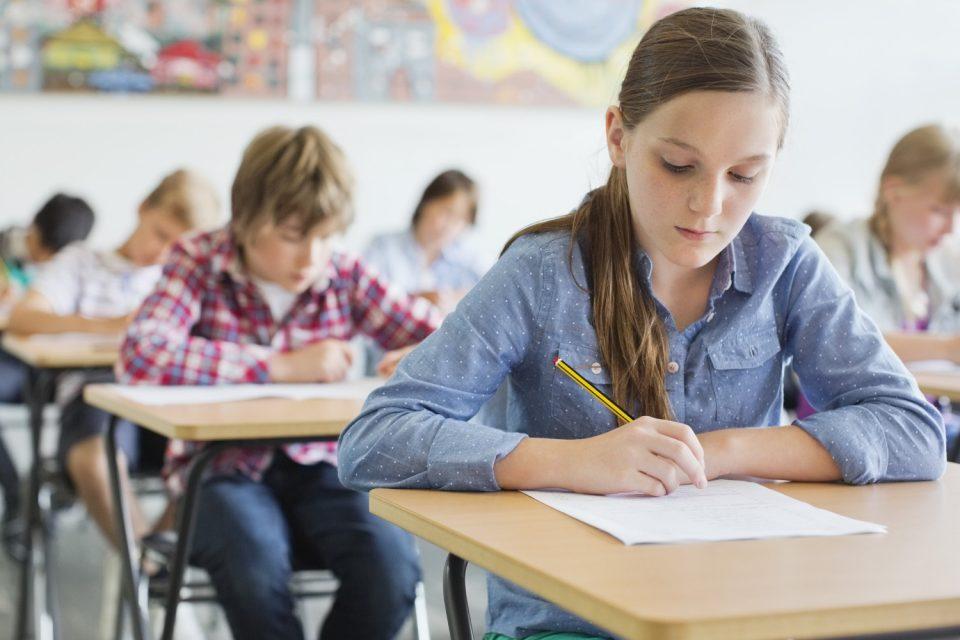 Отпускат се над 2 млн. лева за три национални програми за развитие на образованието