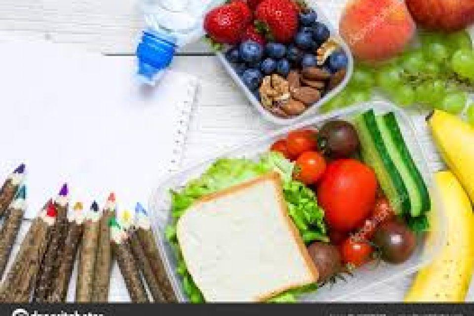 """Промяна в наредбата за прилагането на схемите """"Училищен плод"""" и """"Училищно мляко""""  предвижда заплащане на дейностите по раздаването на продуктите на учениците"""