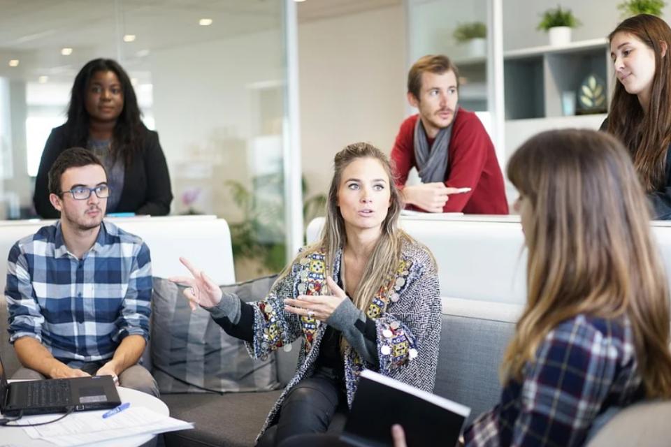 Софтуерни предприемачи представят визията си за бъдещето на работата на конференция в София