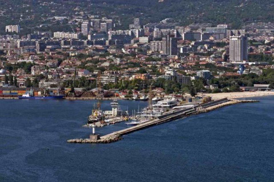 Държавата ще инвестира в яхтени пристанища във Варна и Бургас